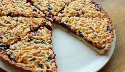 Отличный десерт на скорую руку – тертый пирог!