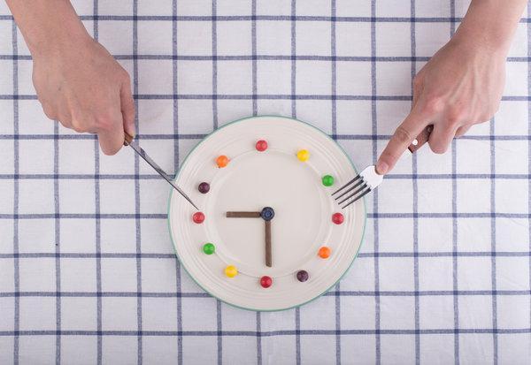 Перенос обеда на час раньше поможет вам похудеть! - 01